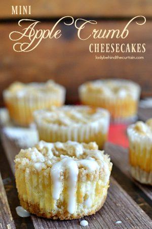 Mini Apple Crumb Cheesecakes| apple pie, easy entertaining, cheesecake, make ahead dessert