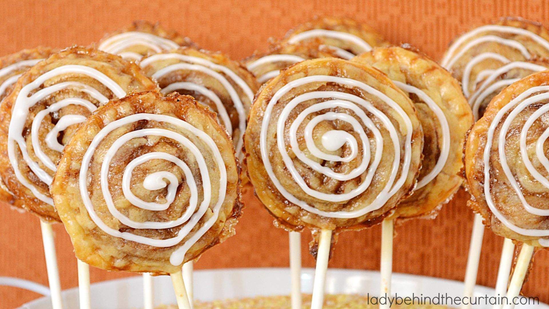 Cinnamon Roll Apple Pie Pops