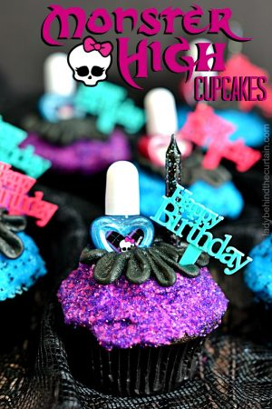 Monster High Cupcakes | girls birthday party cupcakes, kids party cupcakes