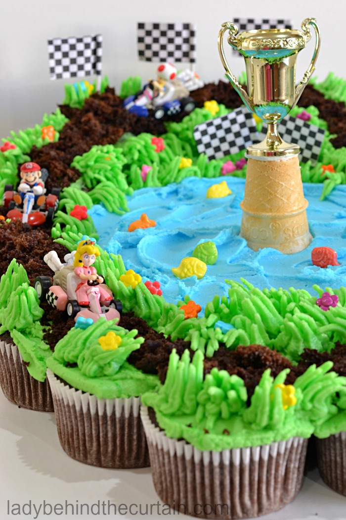 Heart Shape Full Cake also Mario Kart Cupcake Pull Apart besides  also Absolutely Awesome Cupcakes To Die For together with Nella. on pizza cupcake ideas