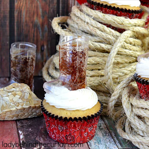 Root-Beer-Float-Cupcakes-Lady-Behind-The-Curtain-2