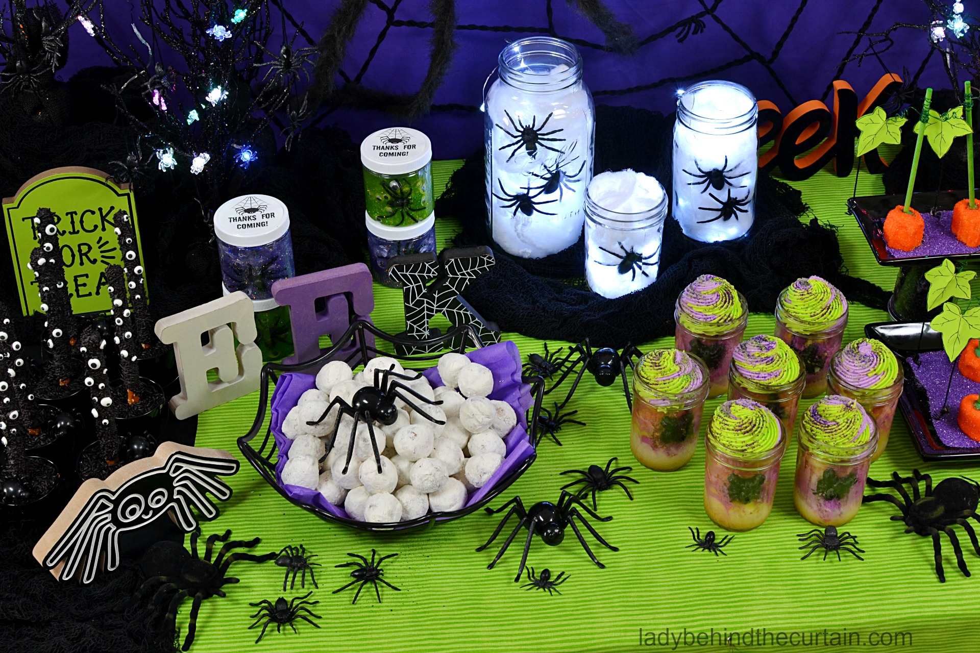 Spider Themed Halloween Dessert Table