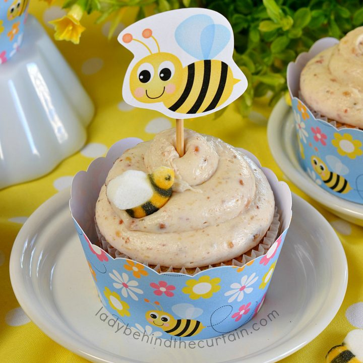 Hummingbird Cupcakes with Banana Cream Frosting
