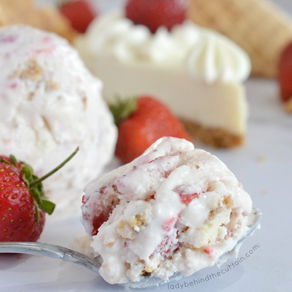 Fresh Strawberry Cheesecake Ice Cream