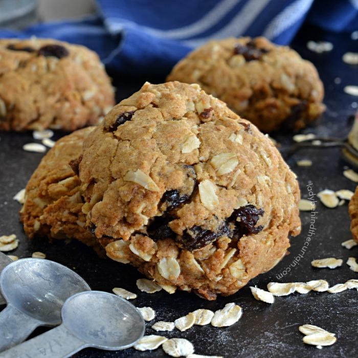 Peanut Butter Oatmeal Breakfast Cookies