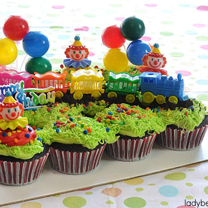 Circus Train Devil's Food Cupcake Pull Apart