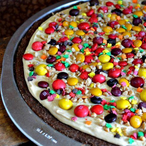 M&M Brownie Pizza