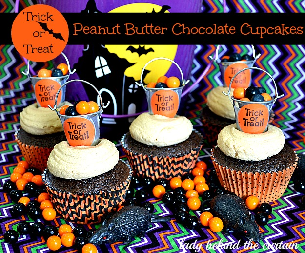 Trick or Treat Halloween Peanut Butter Chocolate Cupcakes