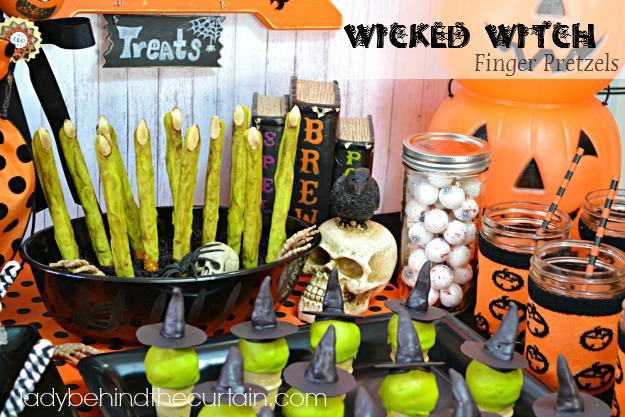 Wicked Witch Finger Halloween Pretzels