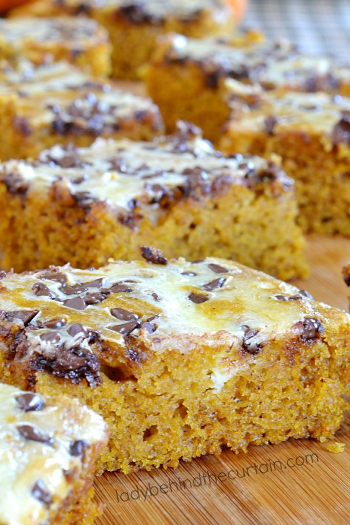 Cream Cheese Swirl Pumpkin Bars