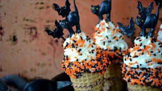 Halloween Cheesecake Cones