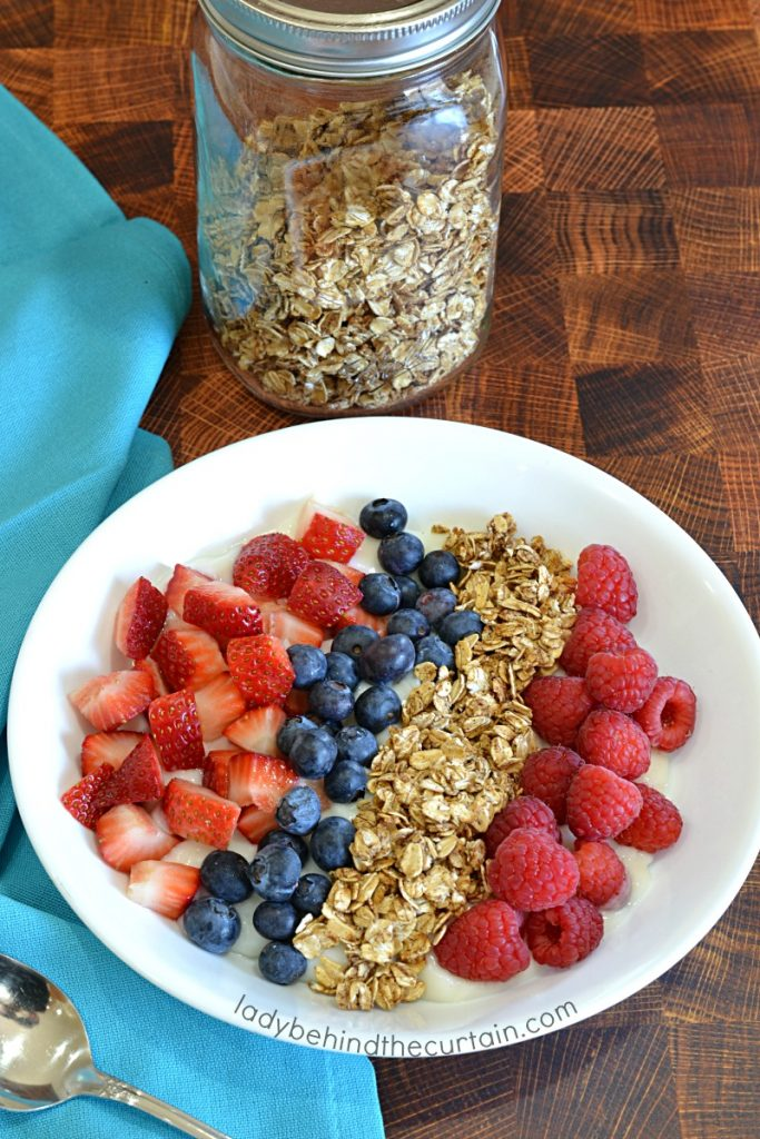 Sugar Free Granola Yogurt Bowl Topping