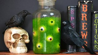 Halloween Slimy Eye of Newt Jar