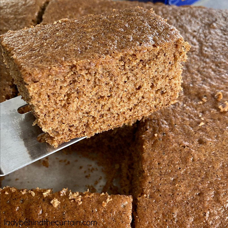 How to Make a Spice Cake From a Yellow Cake Mix