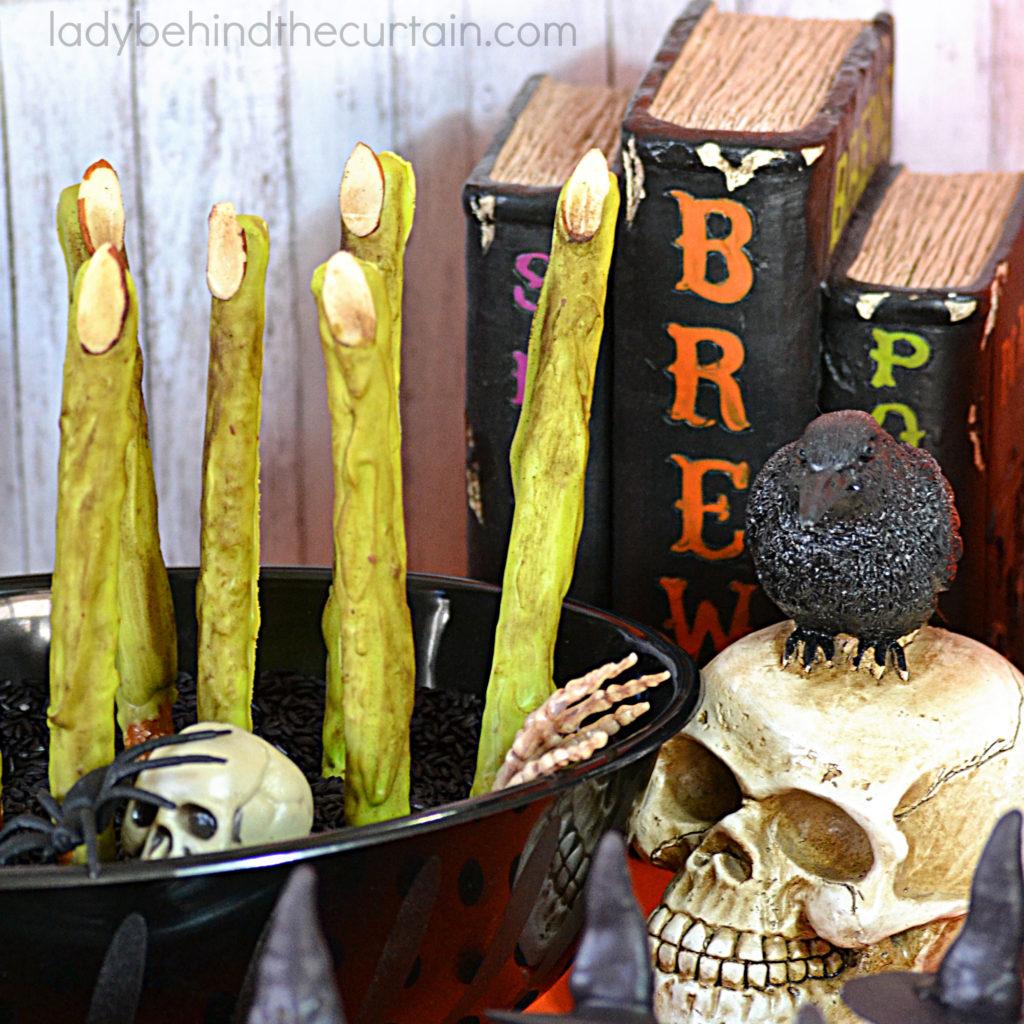 Wicked Witch Finger Halloween Pretzels